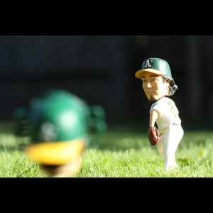 Bobblehead Pitching